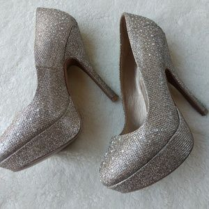 Qupid Bling Gold Festive Heels Sz 9